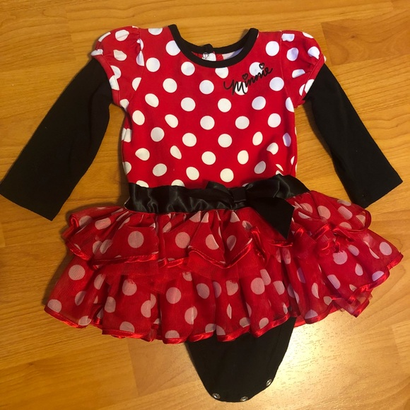 H/&M x Disney Holiday Minnie Mouse Beanie and Bib For Babies In Red NEW!